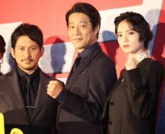(左から)岡田准一、堤真一、平手友梨奈