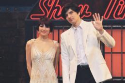 エンタメへの思いを語った米倉涼子(左)と城田優
