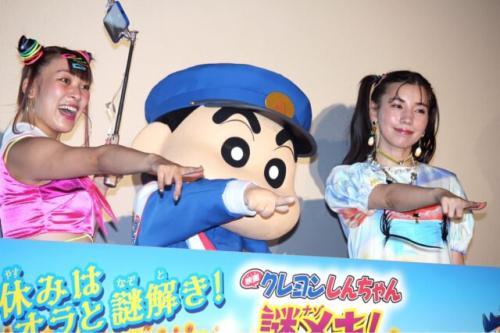 (左から)フワちゃん、しんのすけ、仲里依紗    (C)エンタメOVO